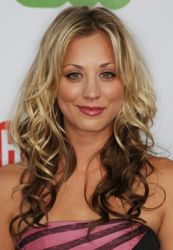 PASADENA, CA - AUGUST 3: Actress Kaley Cuoco arrives at the CBS, CW, CBS Television Studio and Showtime TCA party at the Huntington Library on August 3, 2009 in Pasadena, California. (Photo by Frederick M. Brown/Getty Images)